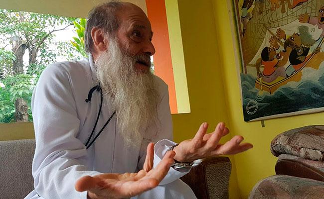 El padre Flor María Rigoni pide a la Comar actuar con inteligencia al momento de decidir a quién le concede el refugio. CRÉDITO: DIARIO DEL SUR