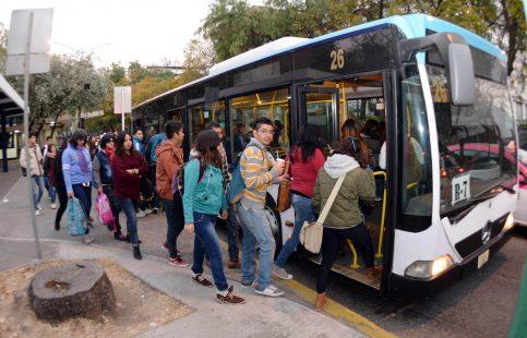 Hoy vuelven a la UNAM 350 mil alumnos