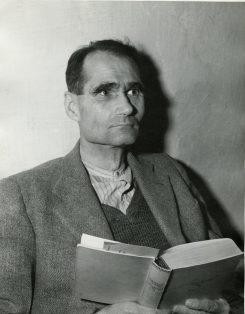 Rudolf Hess antes de ser condenado
