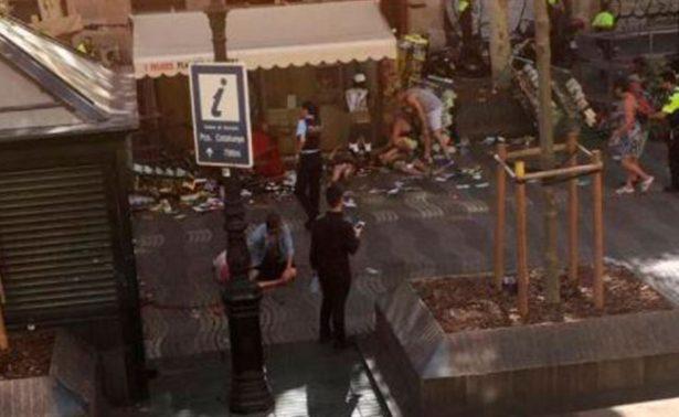 Camioneta atropella a decenas de personas en La Rambla de Barcelona