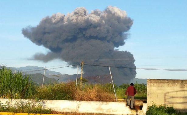 Reportan un muerto y cinco heridos por explosión en ducto de Pemex