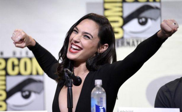 """""""La Mujer Maravilla"""" baila para el celebrar el éxito de su película"""