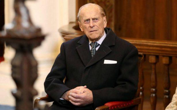 Hospitalizan al duque de Edimburgo, de 96 años para operación de la cadera