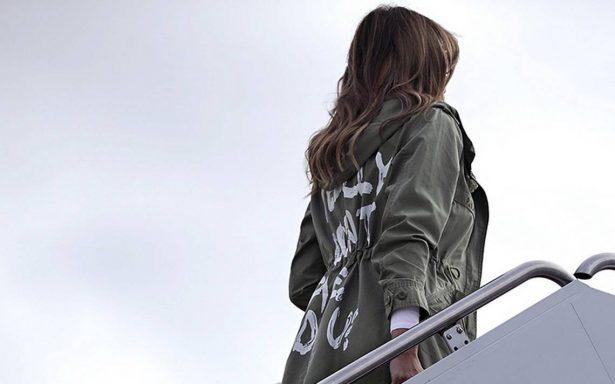 """""""No me importa"""", chamarra de Melania Trump divide opiniones tras visitar niños migrantes"""