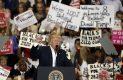 Trump critica de nuevo a la prensa y a jueces que frenaron orden migratoria
