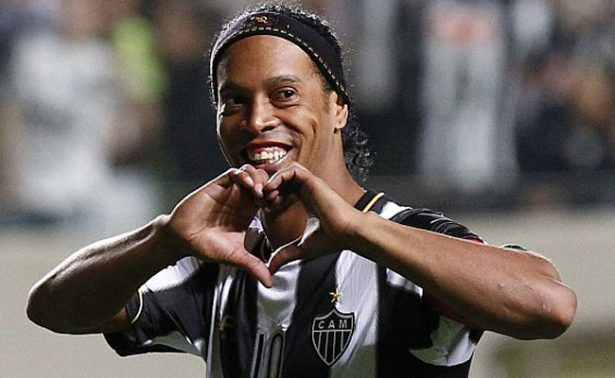 Ronaldinho oficializa su retiro del futbol; prepara partido de despedida