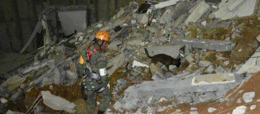 Binomio canino ubica a desaparecida entre escombros en derrumbe de Monterrey