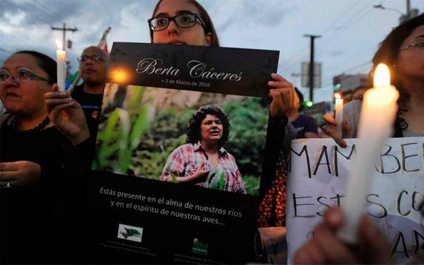 Implican a policías en asesinato de ambientalista