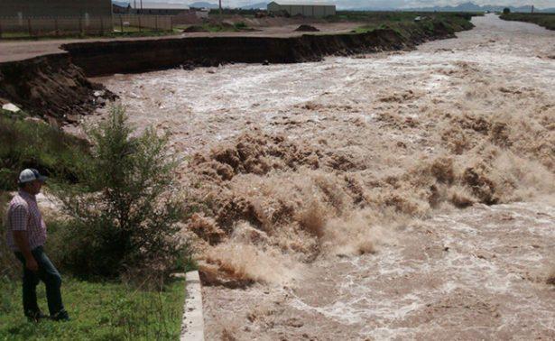 """Cae familia a represa """"El Burro"""" en Chihuahua"""