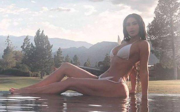 Súper sensual, así promociona Kim Kardashian su línea de perfumes