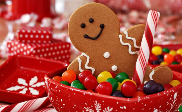 """Pareja """"grinch"""" irrumpe en una casa para comerse los dulces de Navidad"""