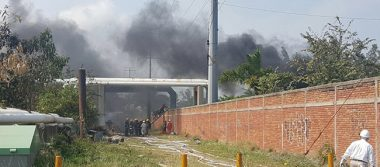 Controlan incendio que amenazó ductos en Tamaulipas