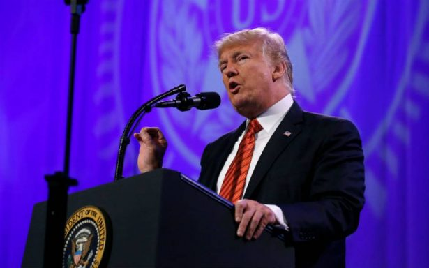 Crece interés entre demócratas para echar a Trump en juicio político