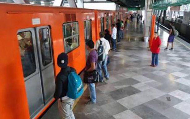 Invidente salva la vida de milagro tras caer a las vías del Metro