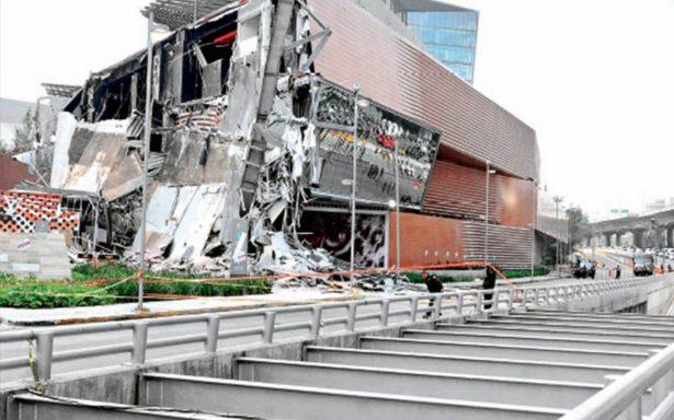 Ofrecen colaborar empresas para remediar daños por derrumbe en Plaza Artz