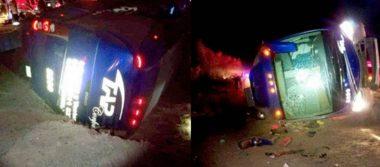 Autobús de pasajeros vuelca en la Caborca–Sonoyta; hay siete muertos