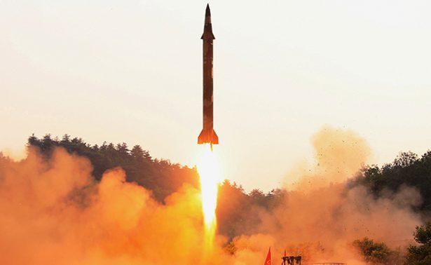 EUA lanza misil balístico intercontinental desde California