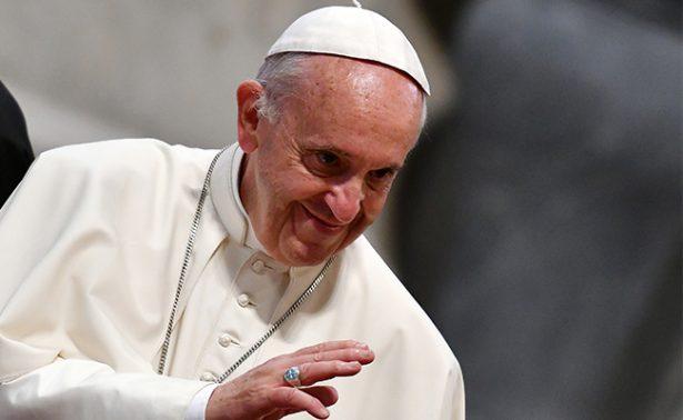 El Papa sacudido por la ciática
