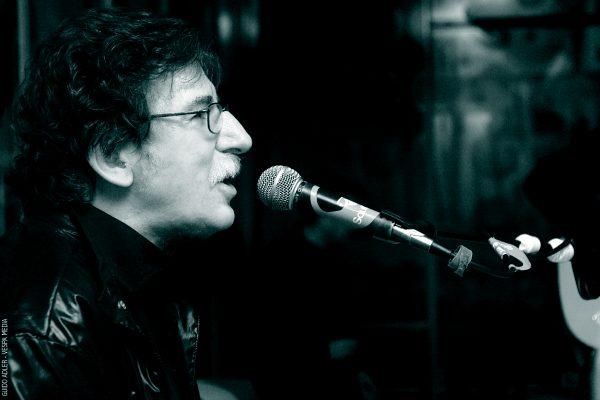Hospitalizan de nuevo a músico argentino Charly García para un chequeo médico