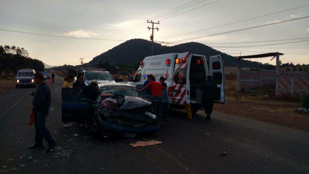 Dos adultos y tres menores con lesiones en aparatoso accidente