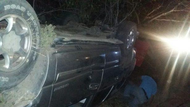 Volcadura deja dos personas lesionadas en la carretera Huetamo – Caracuaro