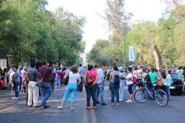 Protesta CNTE en SFA; demanda pago de bono de Día del Maestro