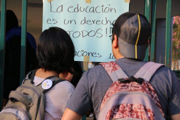 Estudiantes toman Ciudad Universitaria en exigencia de condonaciones