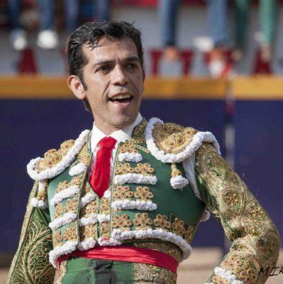 Isaac Chacón torea  en Zempoala