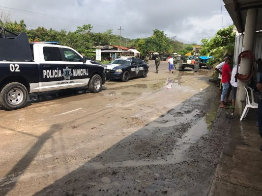 Asesinan a un hombre en la carretera Lázaro Cárdenas – Zihuatanejo