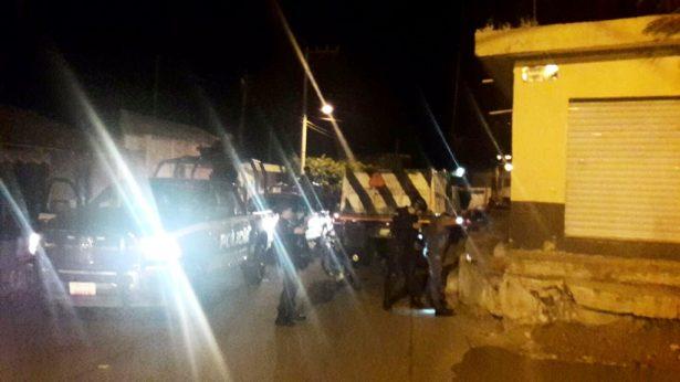 Civiles armados atacan la base de la Policía Michoacán en Zamora