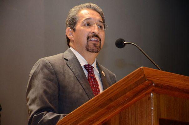 Nuevo organigrama universitario genera relevos institucionales