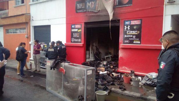 Sujeto arroja una bomba Molotov a un negocio