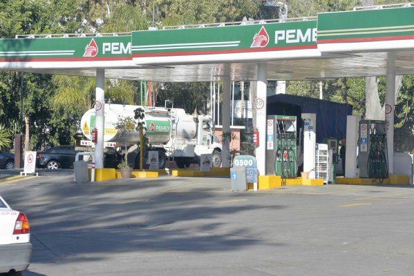 Dejarán Pemex, 200 gasolineras