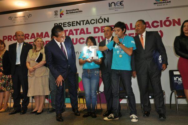 Estudiantes de Apatzingán desarrollan y patentan  primer generador de electromagnetismo pulsante