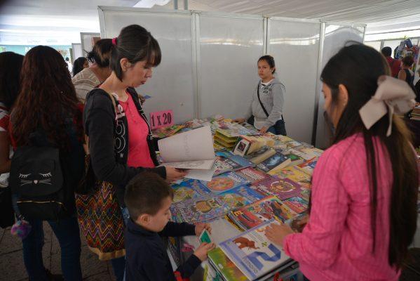 Inauguran Feria de Regreso a Clases en Morelia