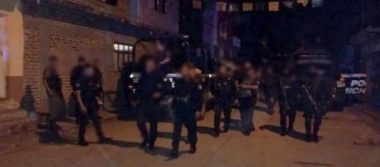 Civiles enfrentan a la policía en Tangamandapio, hay un muerto
