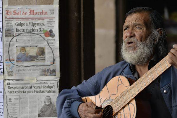 """Gracias a morelianos, hay """"cura Hidalgo"""" en las Fiestas Patrias"""