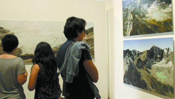 Inauguran exposición Documentar/Contar/Mentir en Centro Cultural Clavijero