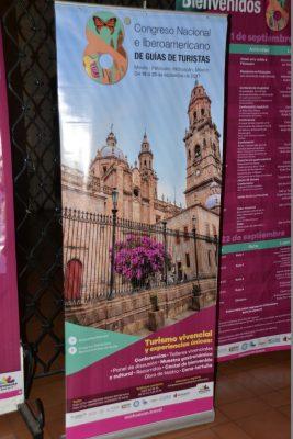 Guías turísticos entre los  embates de la informalidad