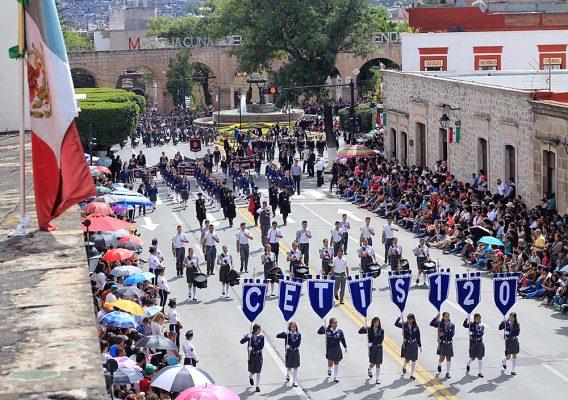 Desfile recuerda el CCLII Aniversario del Siervo de la Nación
