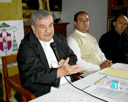 Llama Carlos Garfias Merlos a denunciar mal uso de donaciones