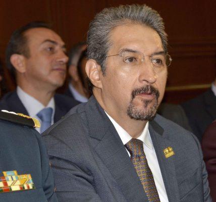 Desmienten remoción de Medardo Serna González