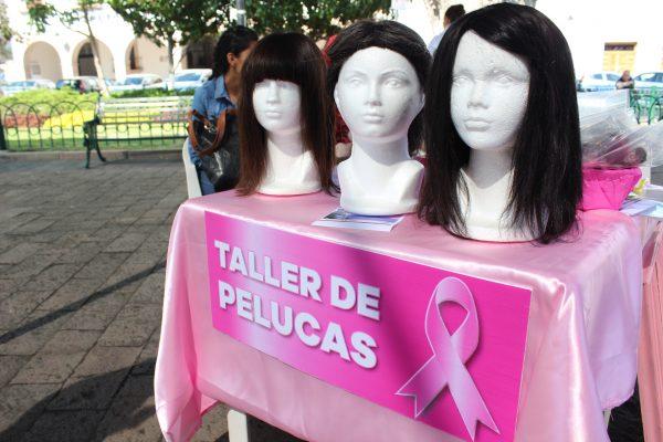 Con pelucas oncológicas combaten la depresión causada por el cáncer