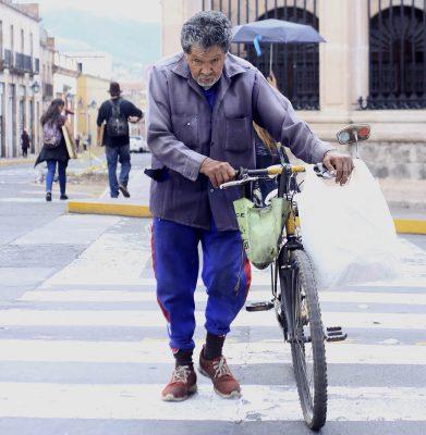 Sin diagnóstico ni políticas públicas, adultos mayores bajo discriminación