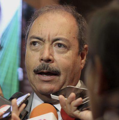 """Se quedó corto gobernador en relevos: PRI; es """"buen esfuerzo"""": PAN"""