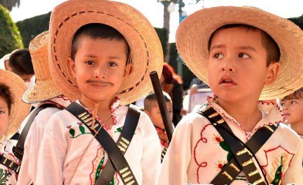 Lucido desfile deportivo en el municipio Puruándiro