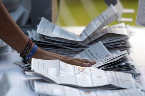 30707186. Puebla.- Inició el recuento de los votos en las elecciones de Puebla, donde serán electos 217 presidentes municipales y renovación del congreso local.  NOTIMEX/FOTO/CARLOS PACHECO/CPP/POL/