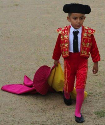 Gente sin escrúpulos quiere prohibir la entrada de los niños a las plazas de toros
