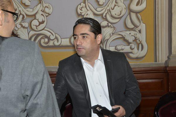 Partidos enfrentan la peor crisis de su historia: Benjamín Farfán