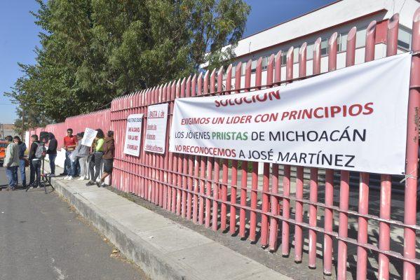 Denuncian atropellos presuntamente avalados por Víctor Silva